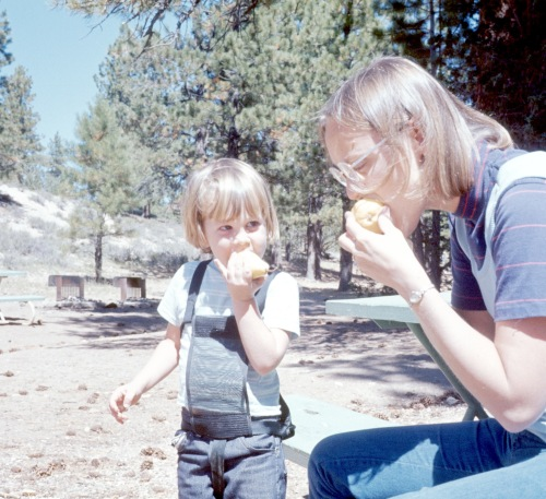 1972 Jan Bryce Canyon Scott and Elouise chowing down on pears