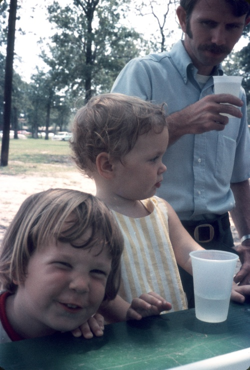 1972 Aug Clay Kelley with Scott and Sherry enjoying lemonade