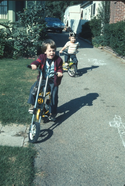 1973 Riding the driveway range in Altadena