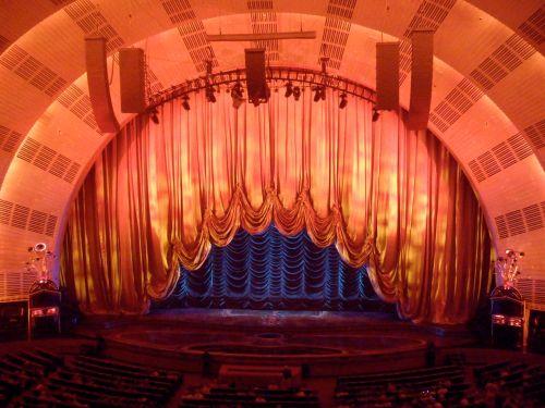 Curtains closing, 1280px-Radio_City_Music_Hall_Stage_Curtain_1