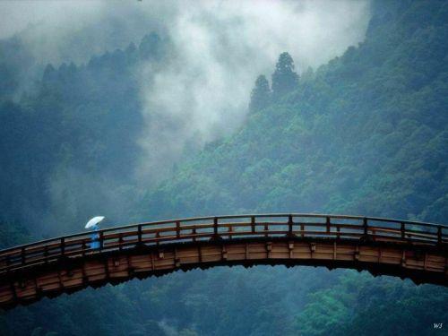 kintai-bridge-yamaguchi-prefecture-japan