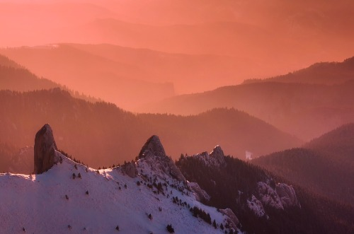 pxby-romania-mtns-winter-sunrise